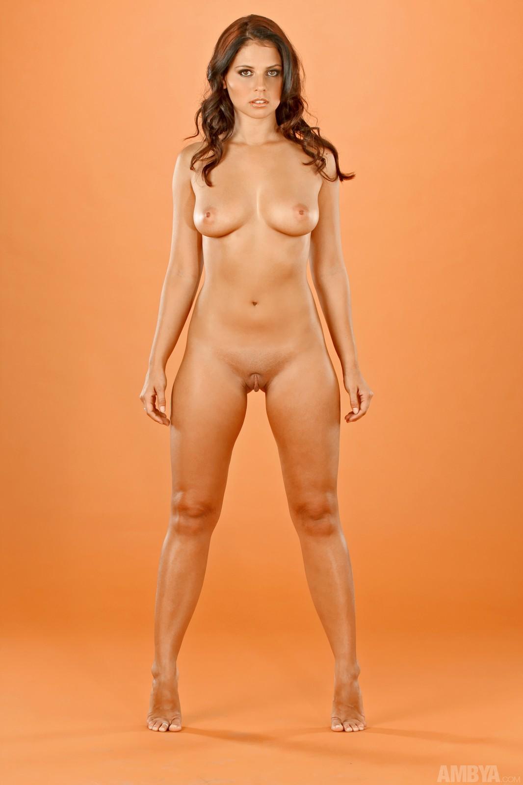 elizabeth-hendrickson-nude
