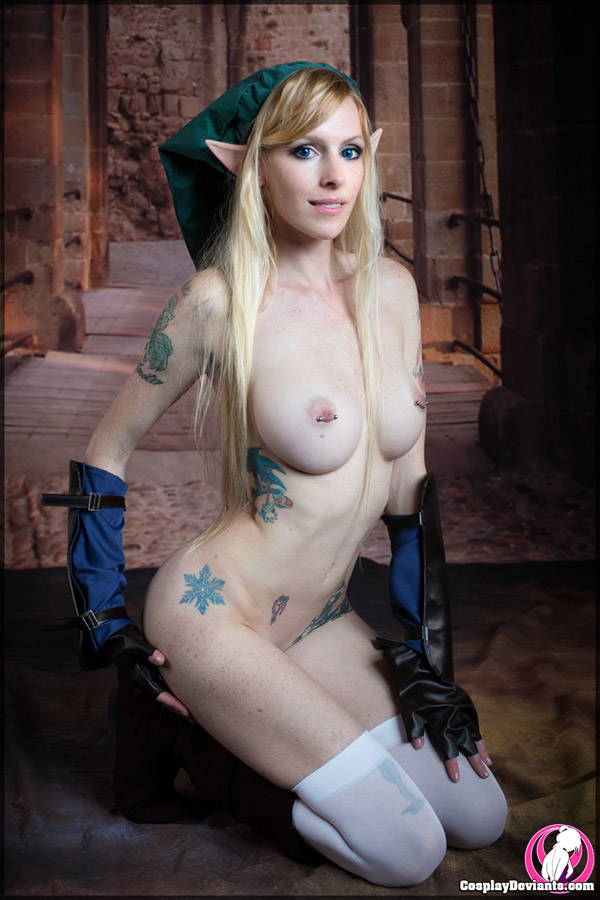 Naked women of cosplay