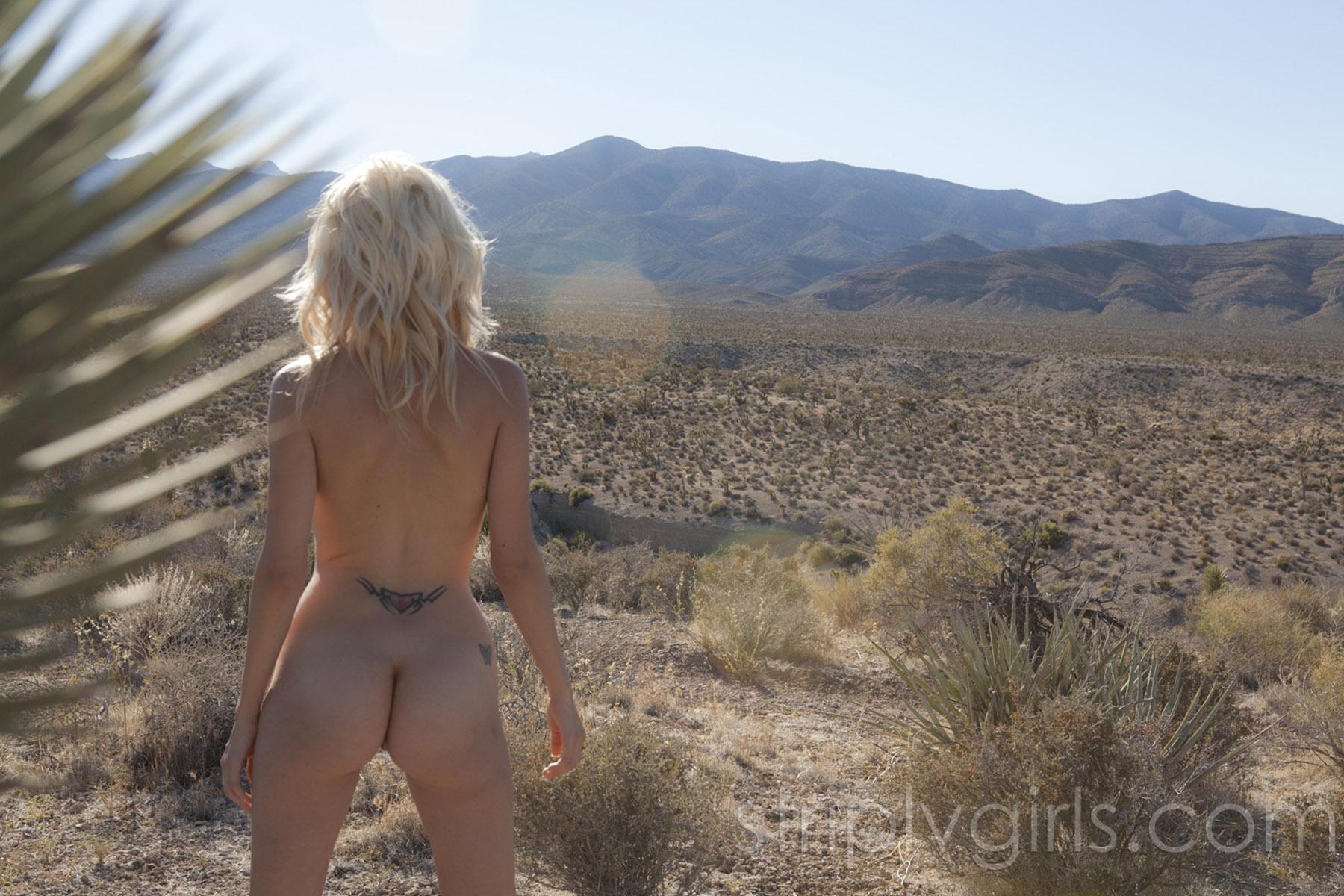 nude-desert-sluts-gy-barnyard-licking-pussy-porn
