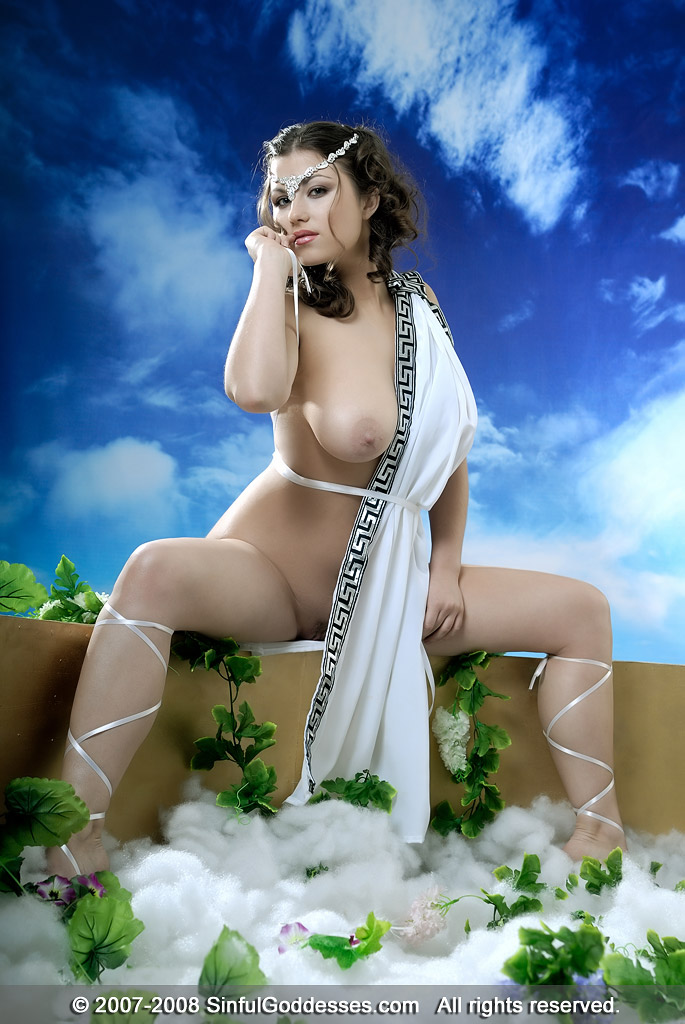 viviane-araujo-sexy-greek-nude-bombay-girls-butt