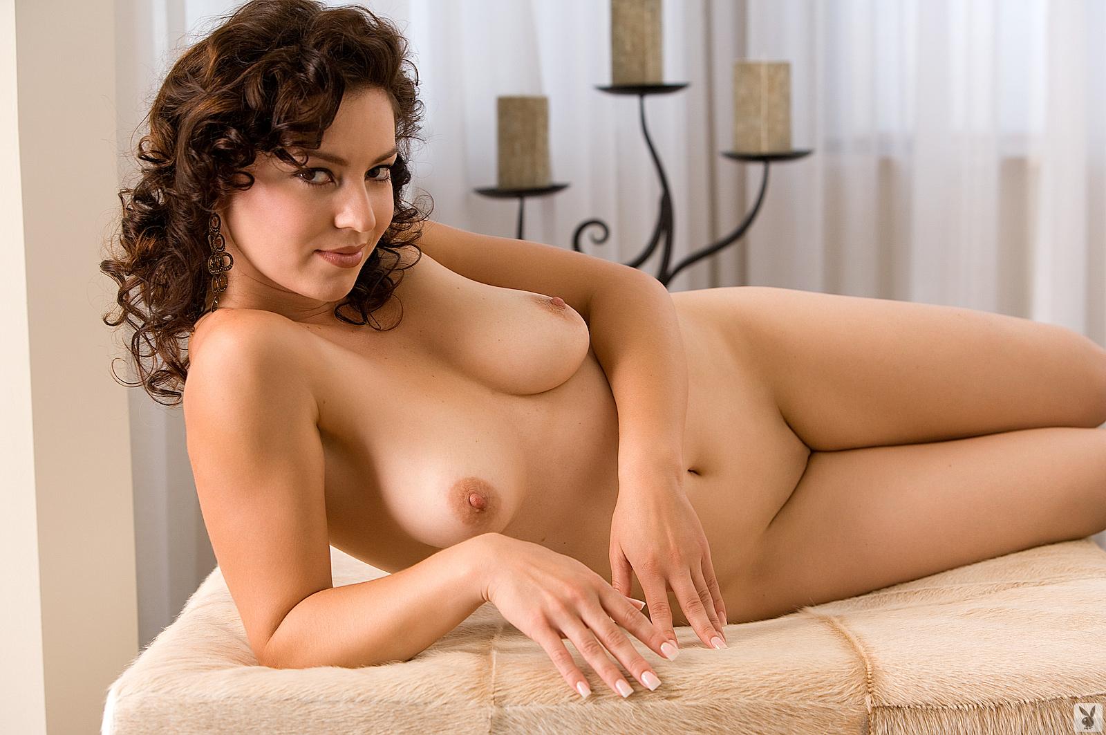 Vanessa Hudgens Shows Naked Boobs
